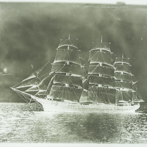 3 Masted Ship Opens Sails_43.jpg